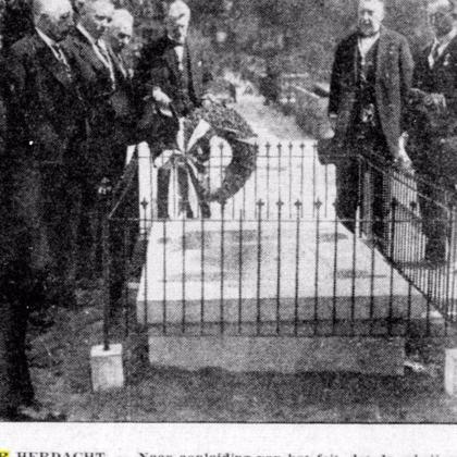 1880-1972: Het graf van J.J. Cremer in Den Haag